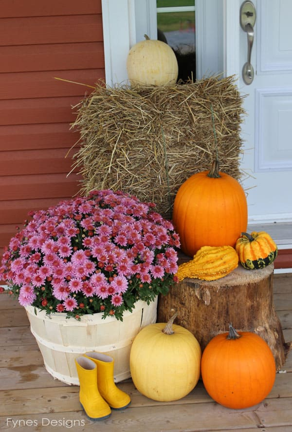 Fall porch decorating ideas fynes designs fynes designs Fall outdoor decorating with pumpkins