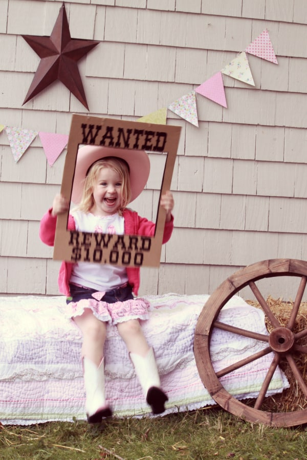 Backyard Western Party Ideas : Saddle Up for a Backyard Western Theme Birthday Party  FYNES DESIGNS