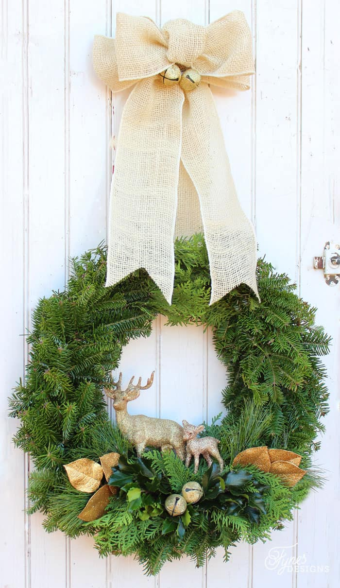 how to make a traditional christmas wreath fynes designs fynes designs. Black Bedroom Furniture Sets. Home Design Ideas