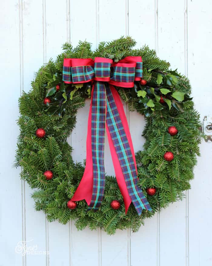 How to make a traditional christmas wreath fynes designs Christmas wreath decorations