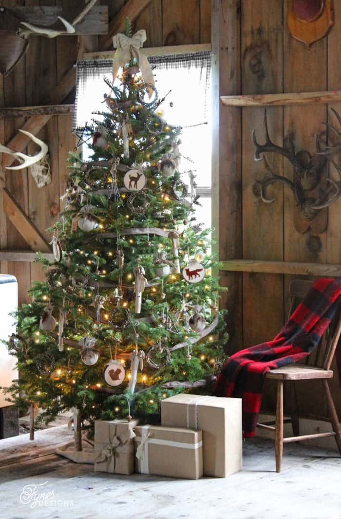 Rustic Christmas Decorating Ideas.Have Yourself A Very Rustic Christmas Fynes Designs