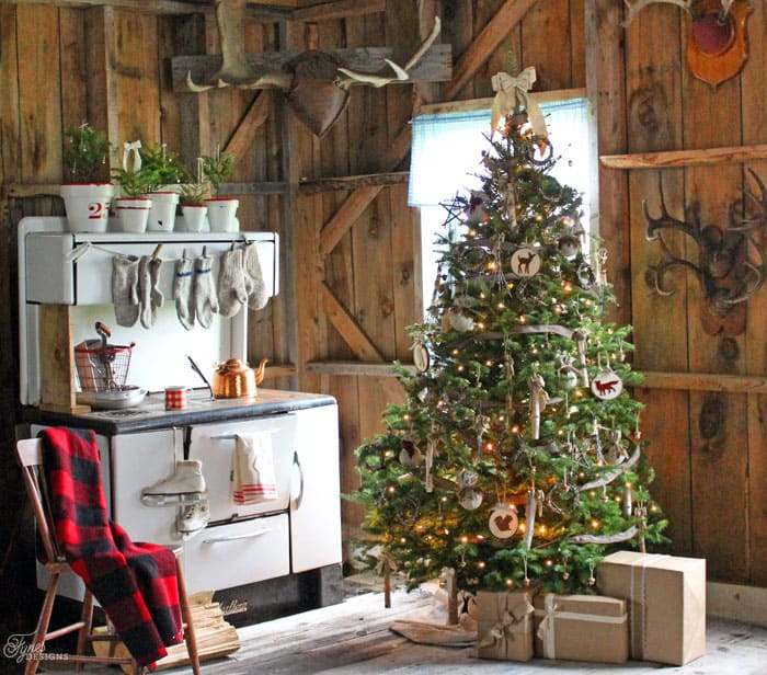 Have yourself a very rustic christmas fynes designs fynes designs welcome to this little rustic christmas cabin wont you stay for a sip of hot coco while your mittens toast on the wood stove solutioingenieria Images