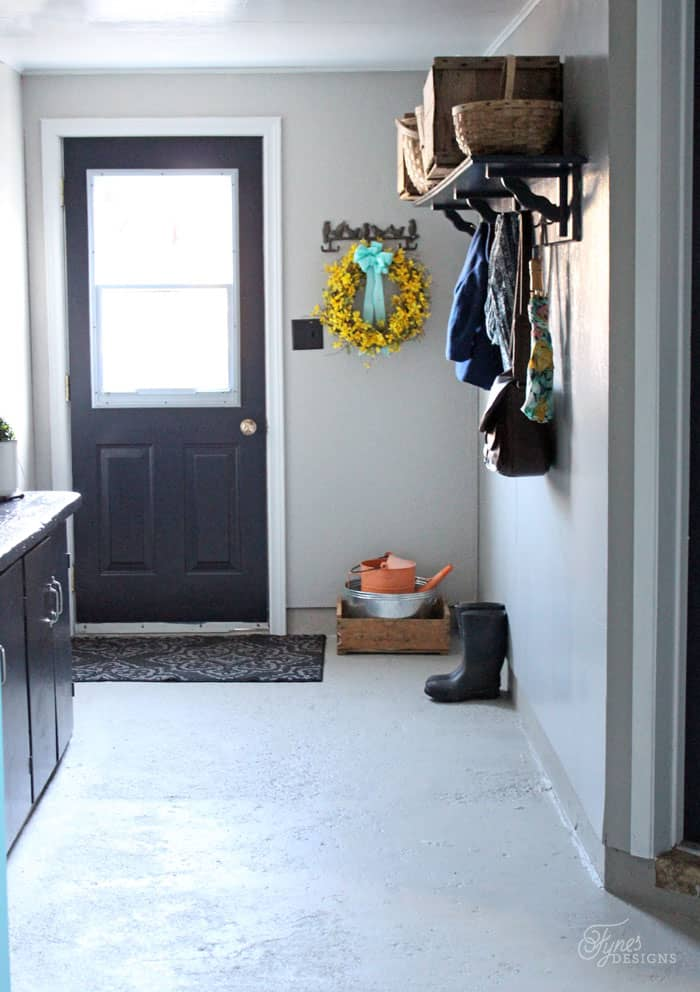Farmhouse mudroom makeover just with paint fynes for Farmhouse plans with mudroom
