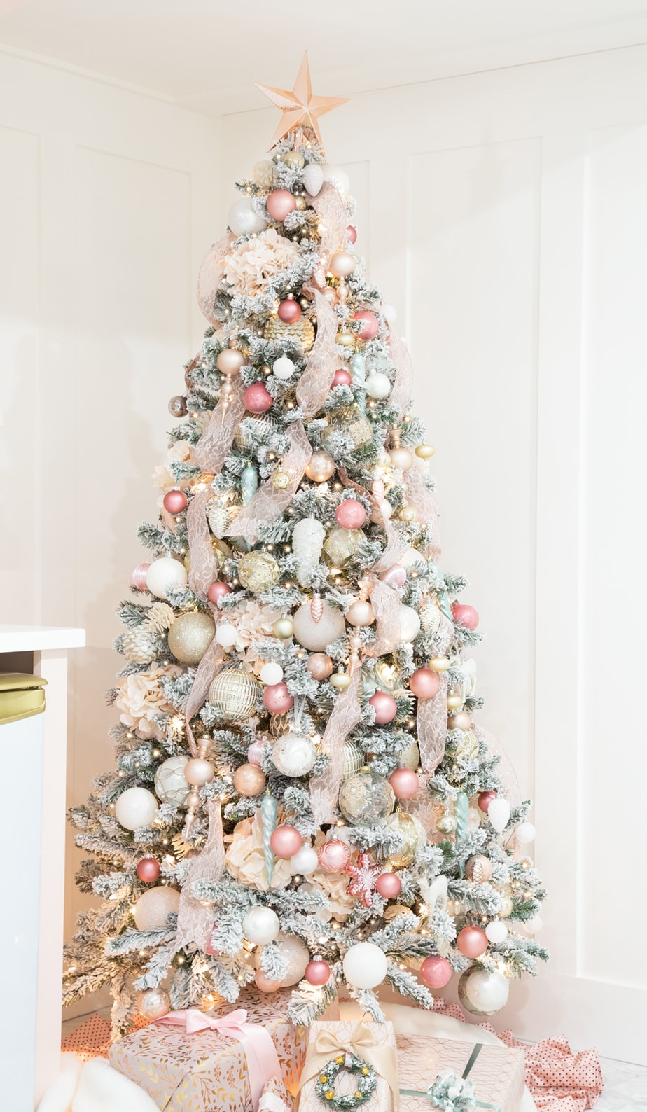 How To Decorate A Christmas Tree With Ribbon Diy Fynes Designs